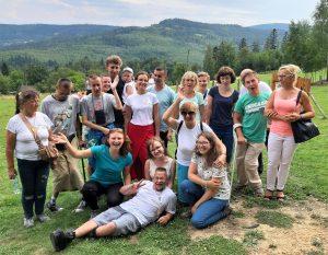 Grupa Niepokonanych na wycieczce górskiej